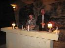 5.  Don en Tammy steken de kaarsen aan